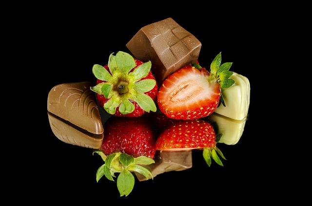 strawberries-1223150_640